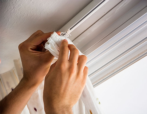 Best Fixing Curtains Services